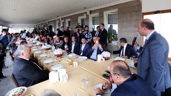 Arslan ile Akdoğan Şereflikoçhisar ve Evren'de halkla buluştu