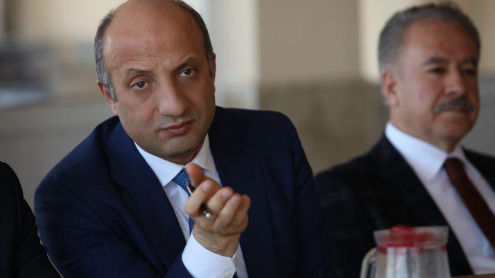 """Mücahit Arslan Elmadağlılara konuştu: """"Bazı Avrupalılar FETÖ'cülerin hamiliğini üstleniyor"""""""